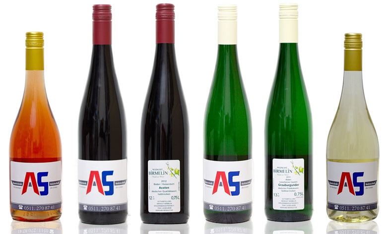 Wein mit eigenem Etikett und Firmenlogo